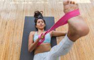 La sangle de yoga : comment l'utiliser et pour quelle posture ?